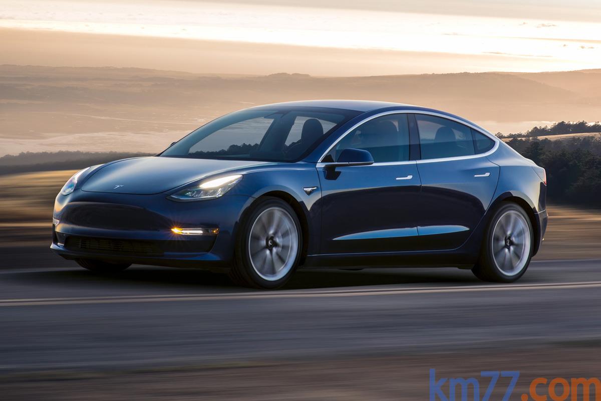 Tesla Model 3 Sedan  2018