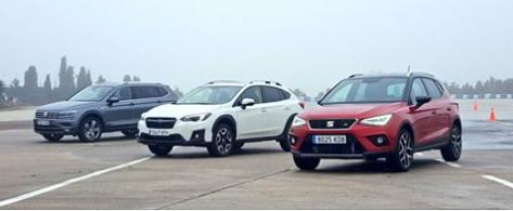 Estamos en el circuito, a punto de realizar las pruebas de esquiva y eslalon con el SEAT Arona, Subaru XV y Volkswagen Tiguan Allspace.