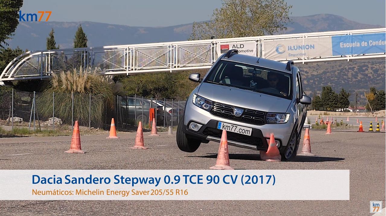 Dacia Sandero Stepway 2017 - Maniobra de esquiva (moose test) y eslalon