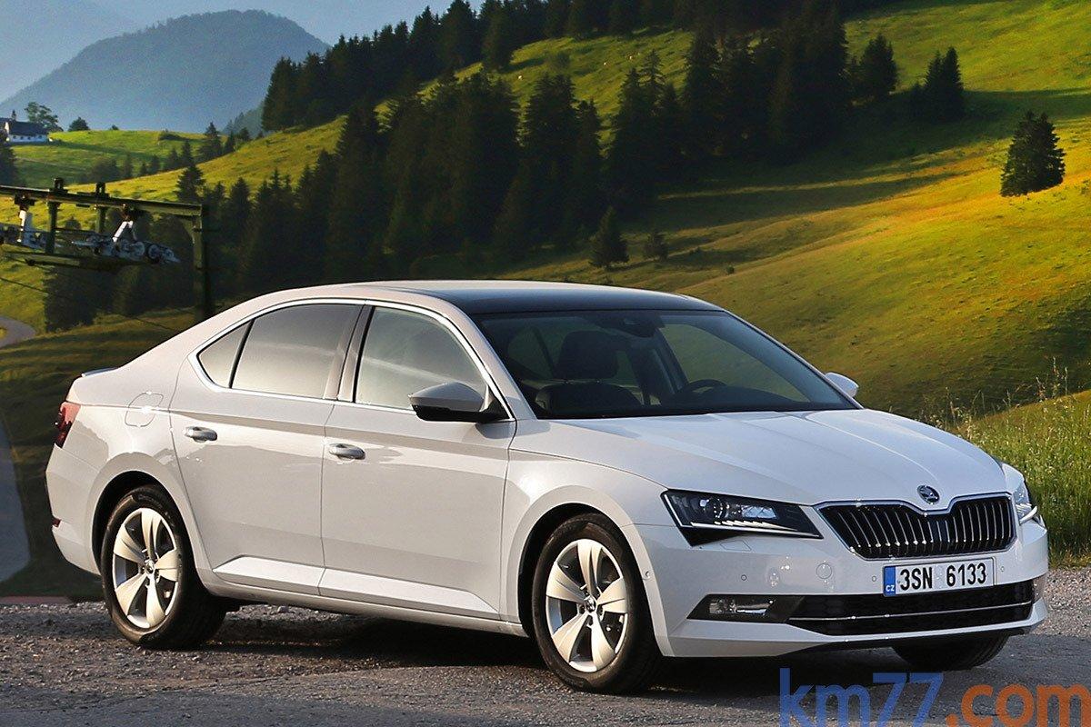 Škoda lanzará al mercado un nuevo modelo híbrido y 6 eléctricos en los próximos 8 años.