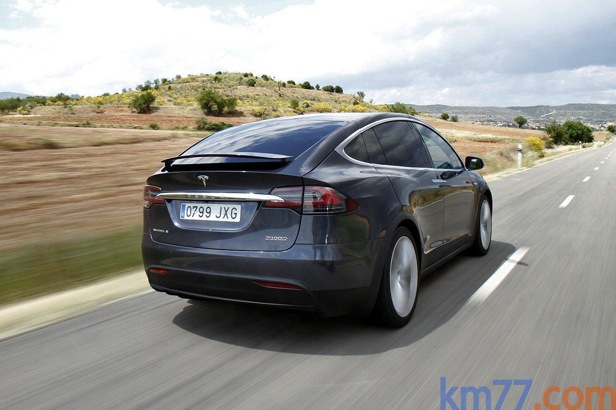 Según nuestras mediciones, un adelantamiento entre 80 y 120 km/h con un Tesla Model X P100D se hace en apenas 2,2 segundos.