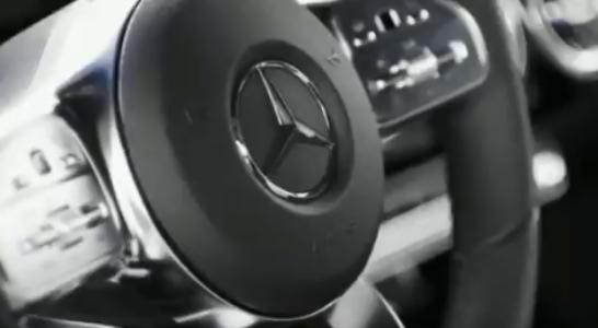 En el siguiente vídeo aparecen algunos detalles del interior del Mercedes-Benz Clase A 2018