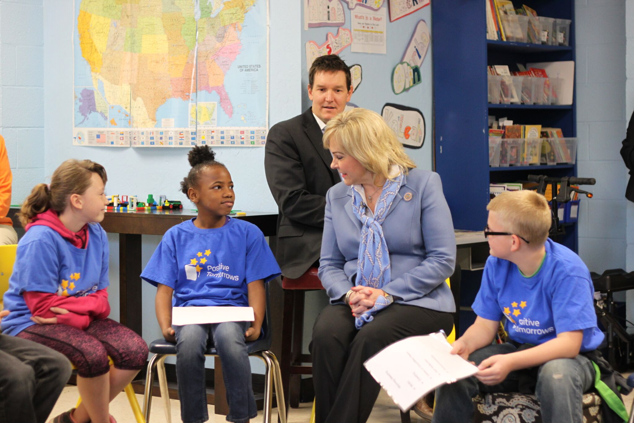 Students at Oklahoma's Positive Tomorrows speak with Governor Fallin