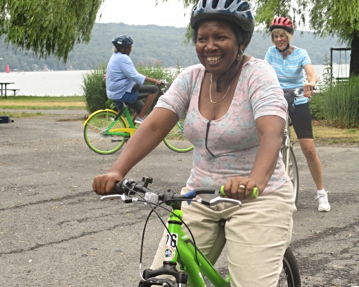 Muriel learnd to bike at the GIAC Senior Bike Day