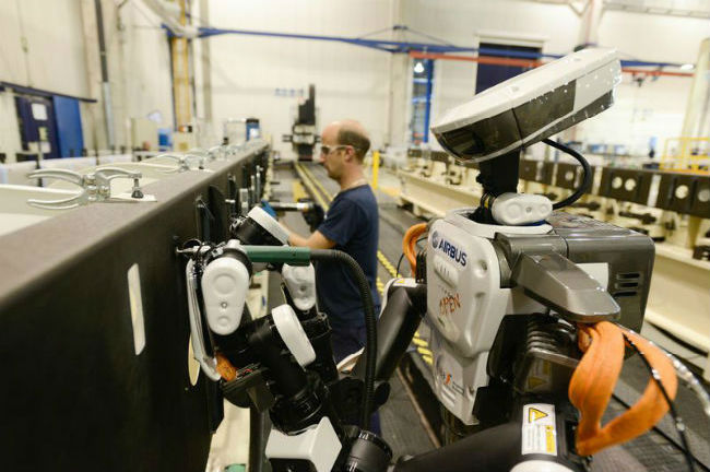 Robot collaboratif Hiro - © Airbus
