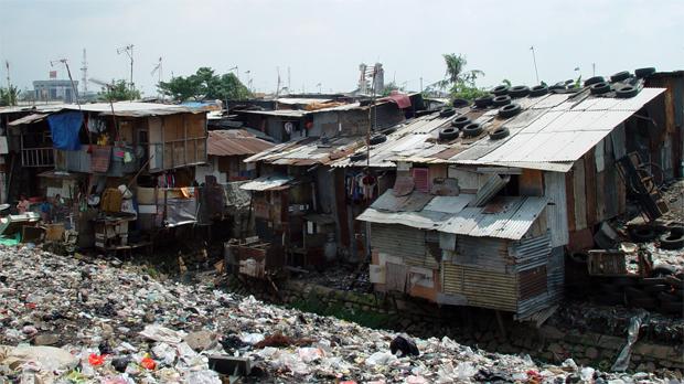 Jakarta informal settlement  © Wikipedia Commons