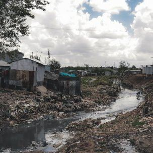 Developing strategies to upgrade drainage, and water and sanitation, is vital for Mukuru, one of Nairobi's largest informal settlements (Photo: Faraz Hassan)