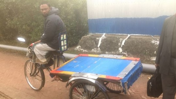 The people of southern Bangladesh are good at adapting to change: the most common vehicle in the city of Mongla is an electric rickshaw powered by a 12volt battery (Photo: Andrew Norton/IIED)