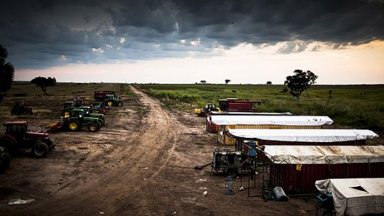 A farm in Uganda. There has recently been much debate about responsible investment in the agricultural sector (Photo: US Aid, Creative Common, via Flickr)