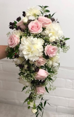 Bride Teardrop Wedding Bouquet
