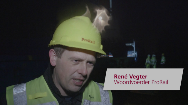 Bikkels in de nacht - Elektrificatie Zwolle Wierden