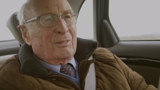 Ingenieur Wisse (93) bezoekt de Moerdijkbrug