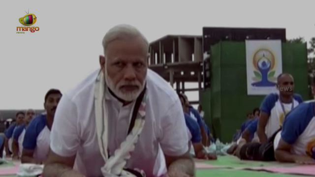 PM Narendra Modi Performs Yoga at Capitol Complex Chandigarh | International Yoga Day | Mango News