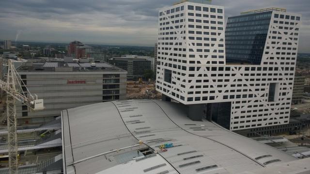 Utrecht Centraal: Het dak gaat dicht!