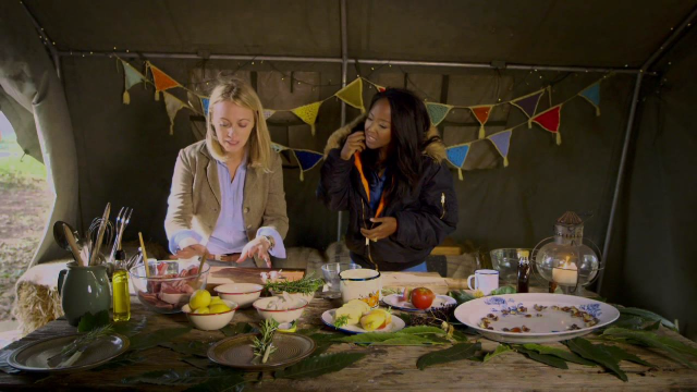 Glamping with Mad Dogs and Vintage Vans - C4's Weekend Kitchen
