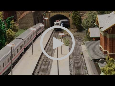 Vectron OSE with greek passenger wagons